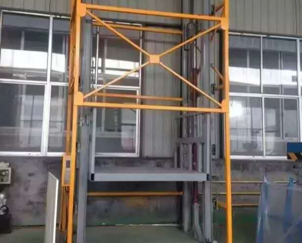 阁楼升降梯