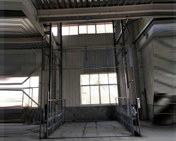 黑龙江轨道式升降货梯