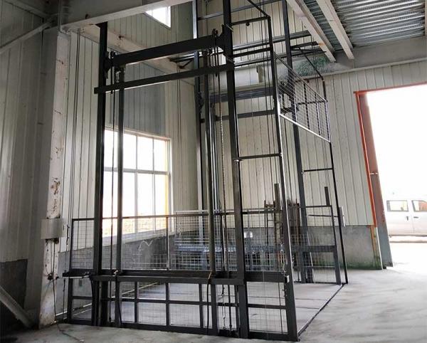 黑龙江导轨式升降机货梯